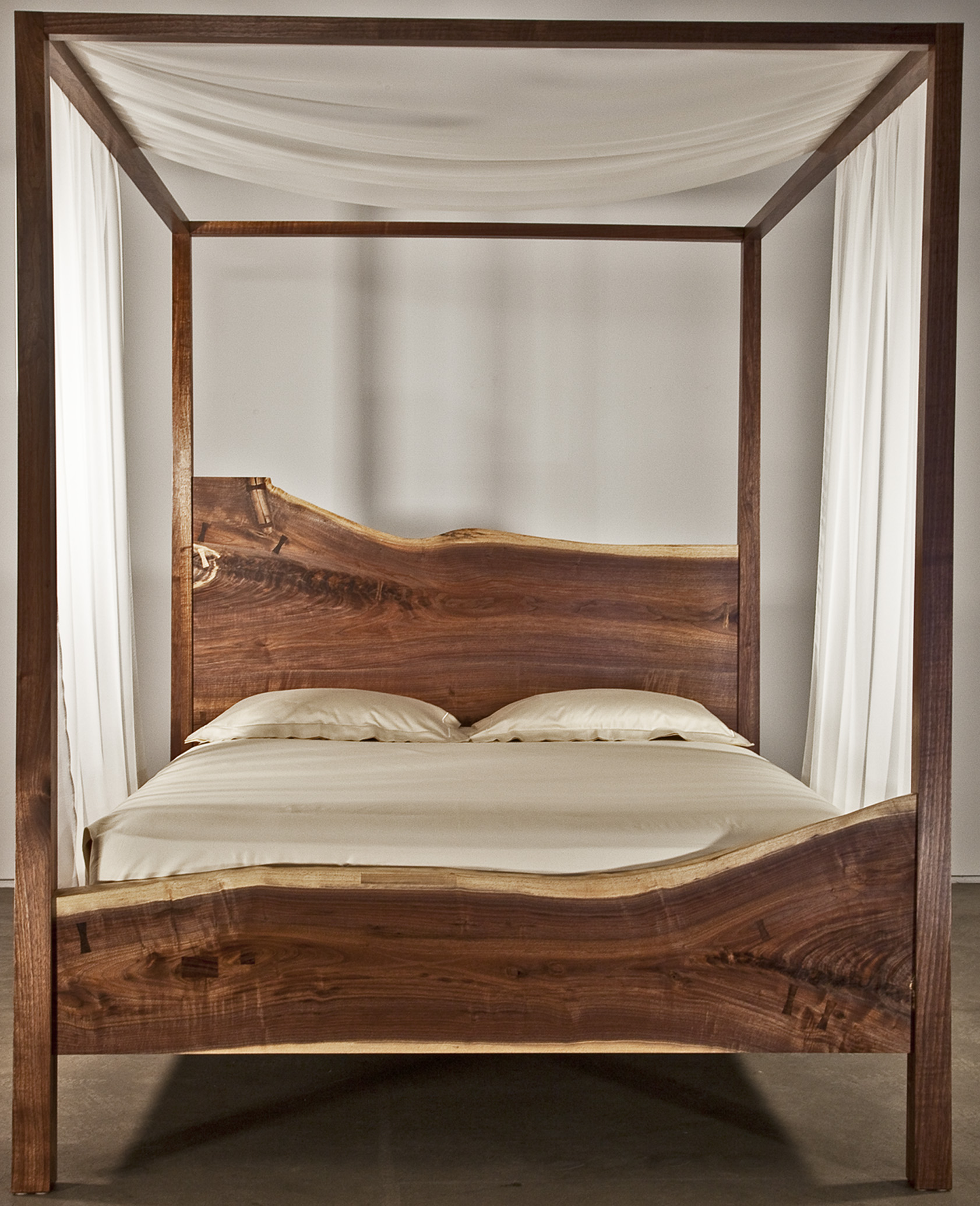 Bespoke Global Product Detail Queen Canopy Bed Black